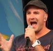 Herenhof zingt met Dean Saunders