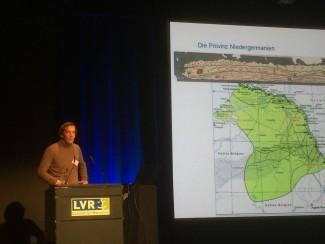 Steve Bödecker, limes coördinator van Nordrhein-Westfalen, opent het symposium.