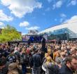 Gezellig druk tijdens Bevrijdingsfestival op het Rijnplein